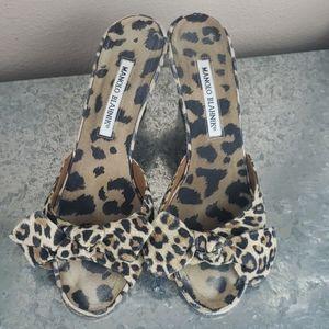 Vintage manolo blahnik leopard heels size 38